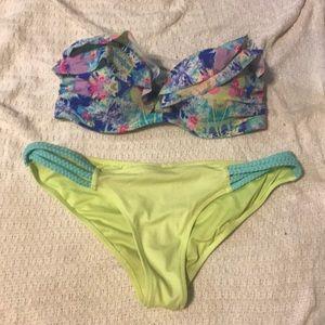 Vicky's strapless bikini top n braided bottom!